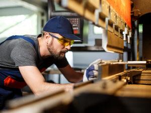 mecanicos expertos mantenimiento industrial